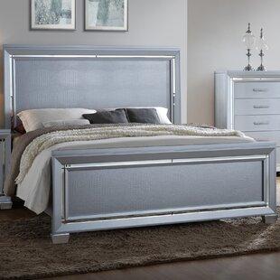 Soila Panel Bed