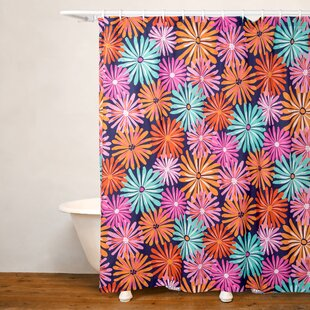Dreaming of Daisies Single Shower Curtain