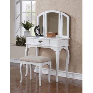 Delightful Torrance Vanity Set With Mirror