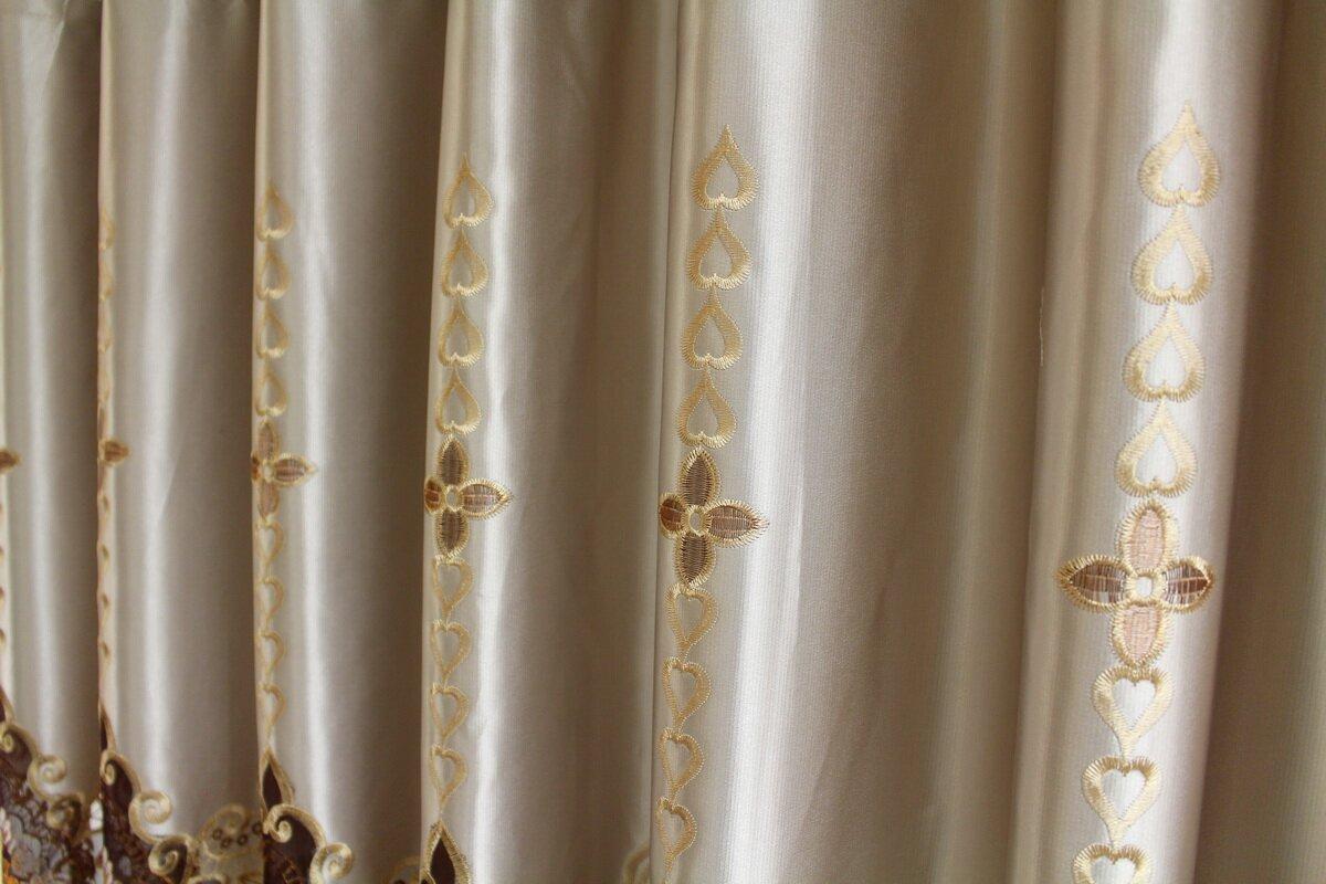 European Nature/Floral Blackout Grommet Single Curtain Panel