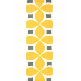 Sorrento Sunflower Gabriela Hand Woven Yellow/Gray/Beige Area Rug