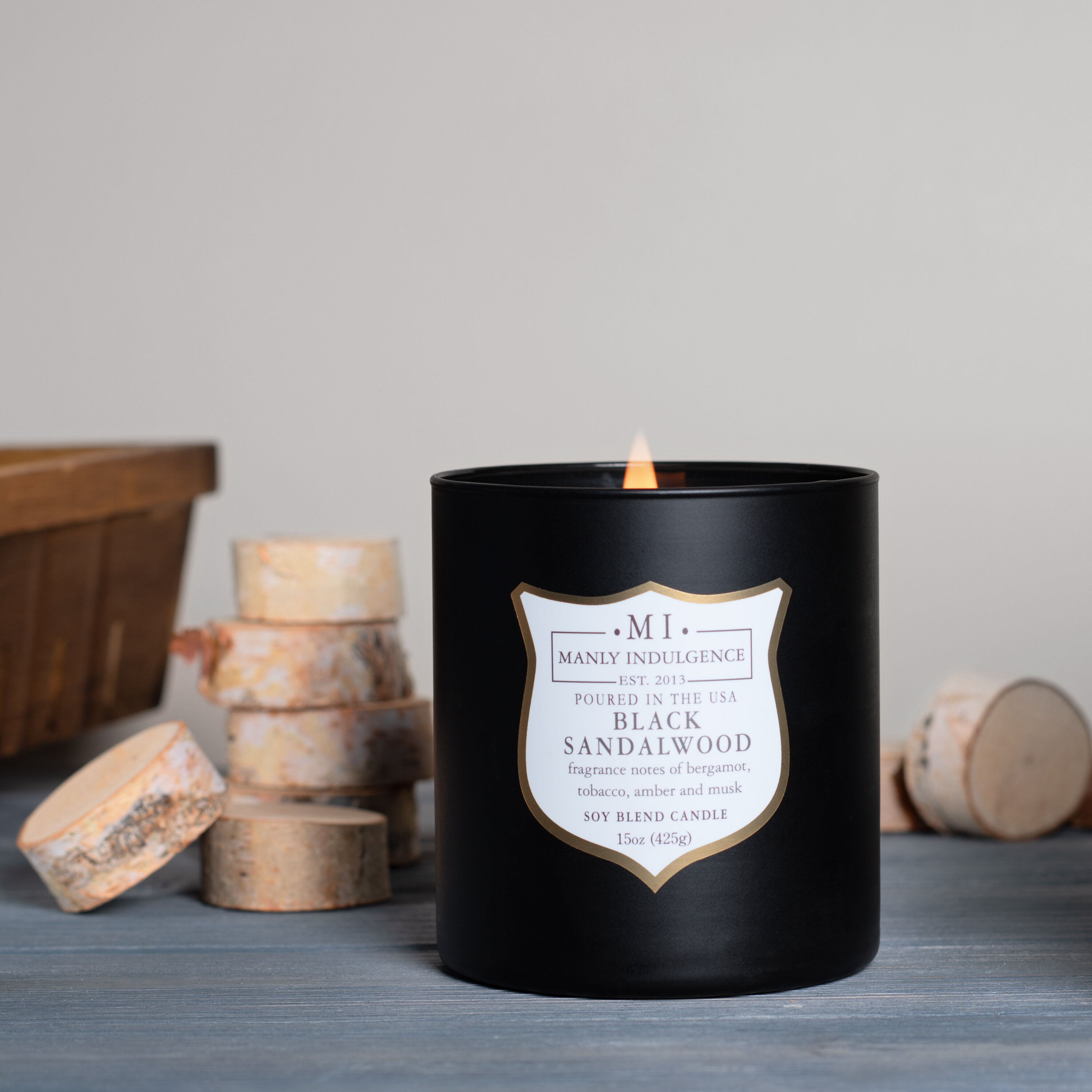 Hand Poured in London Red Candle Natural Candle Soy  Wax Scented Candle Soy Candle Gift Rose /& Oud Soy Wax Candle Vegan Candle