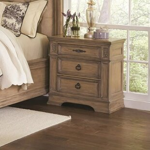 Soham 3 Drawers Nightstand by Fleur De Lis Living