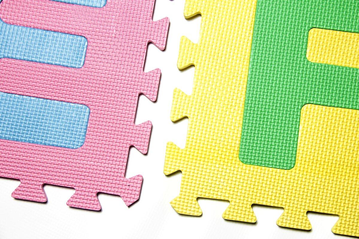 Innova imports 26 piece soft interlocking foam alphabet floor mat 26 piece soft interlocking foam alphabet floor mat set dailygadgetfo Images