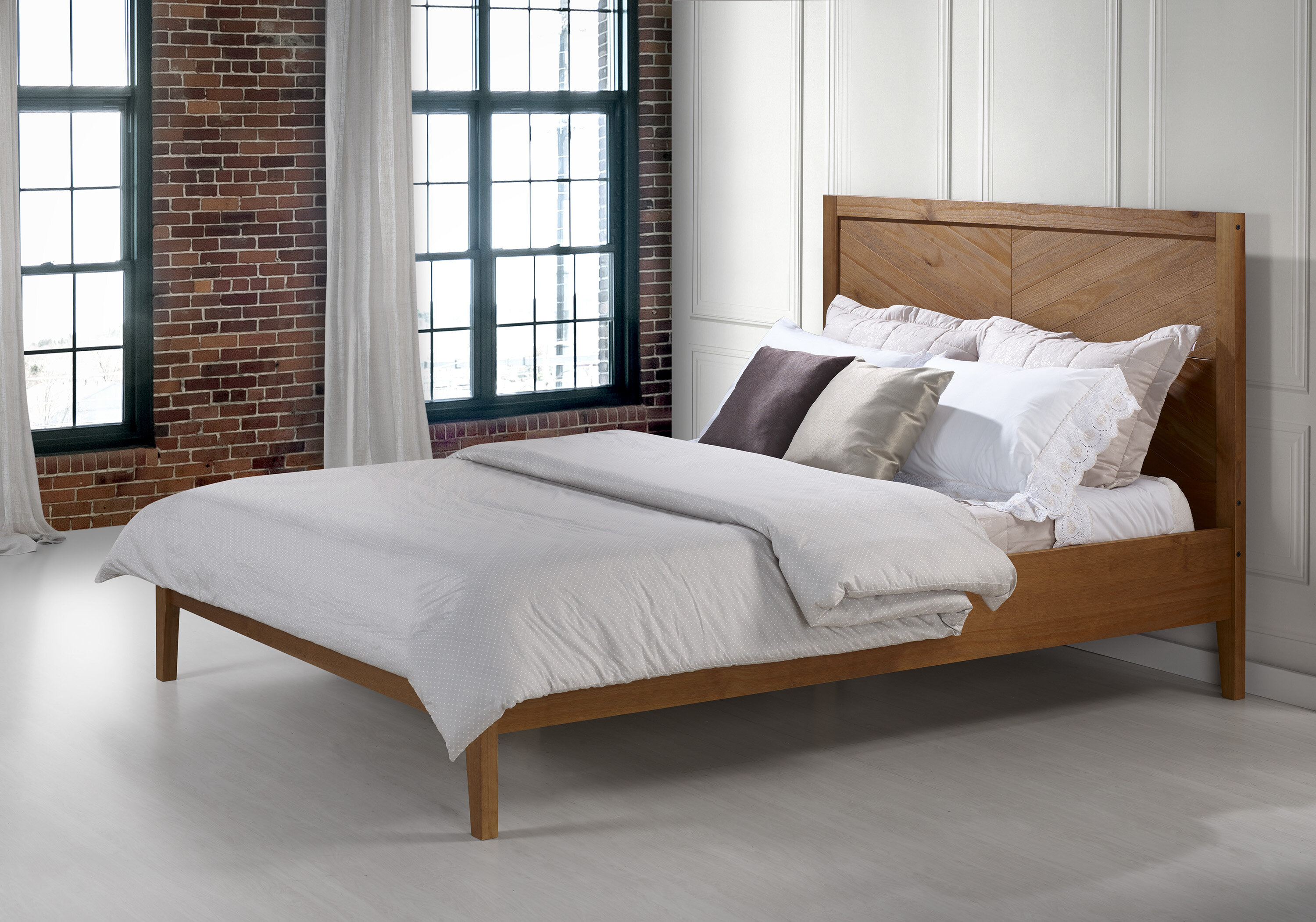 Steve Solid Wood Queen Platform Bed