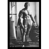 Arnold Schwarzenegger Training - Golds Gym 1974 Photograph - Picture Frame Photograph Print on Paper