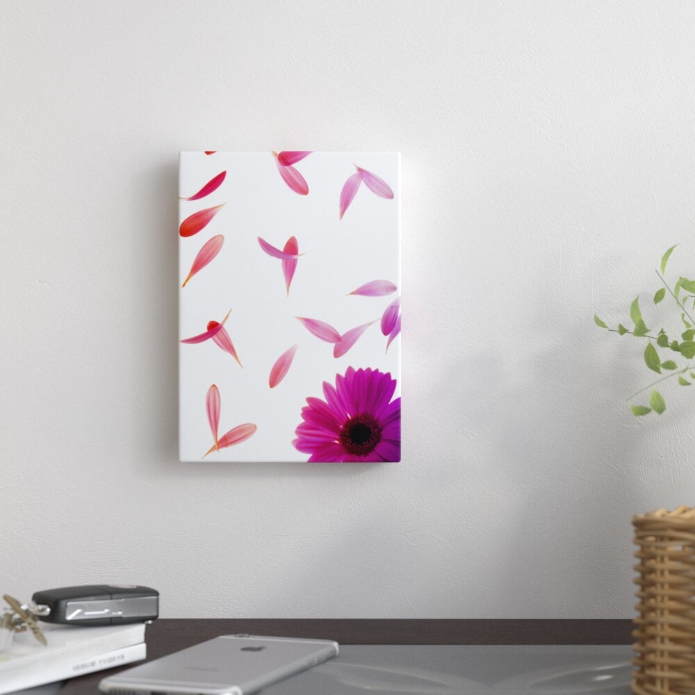 East Urban Home Single Pink Flower Graphic Art Print On Canvas