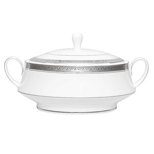 Crestwood Platinum 48 oz. Covered Vegetable Bowl