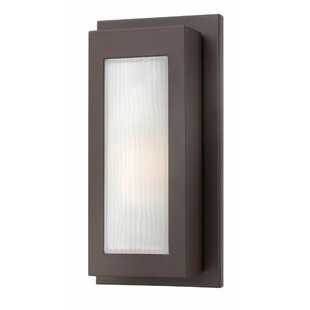 Hinkley Lighting Titan 1-Light Outdoor Sconce