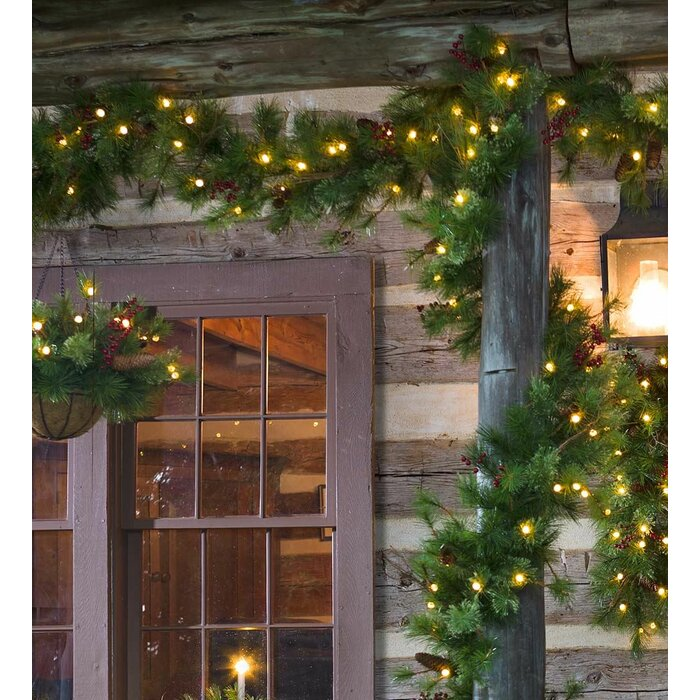 Lighted Outdoor Battery Operated Holiday Garland With Auto Timer