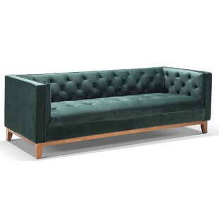Tricia Chesterfield Sofa
