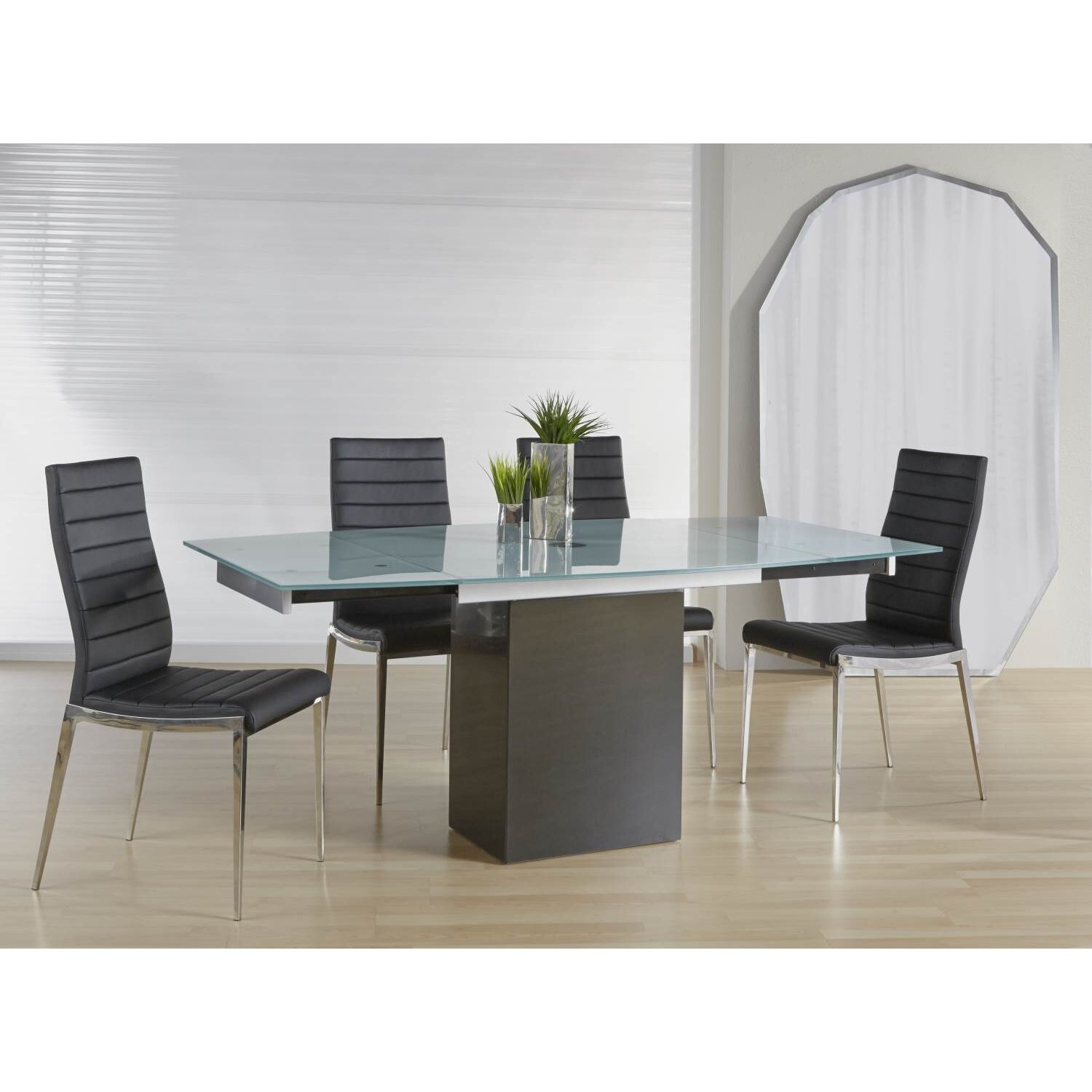 Wade Logan Lesly Extendable Dining Table & Reviews | Wayfair