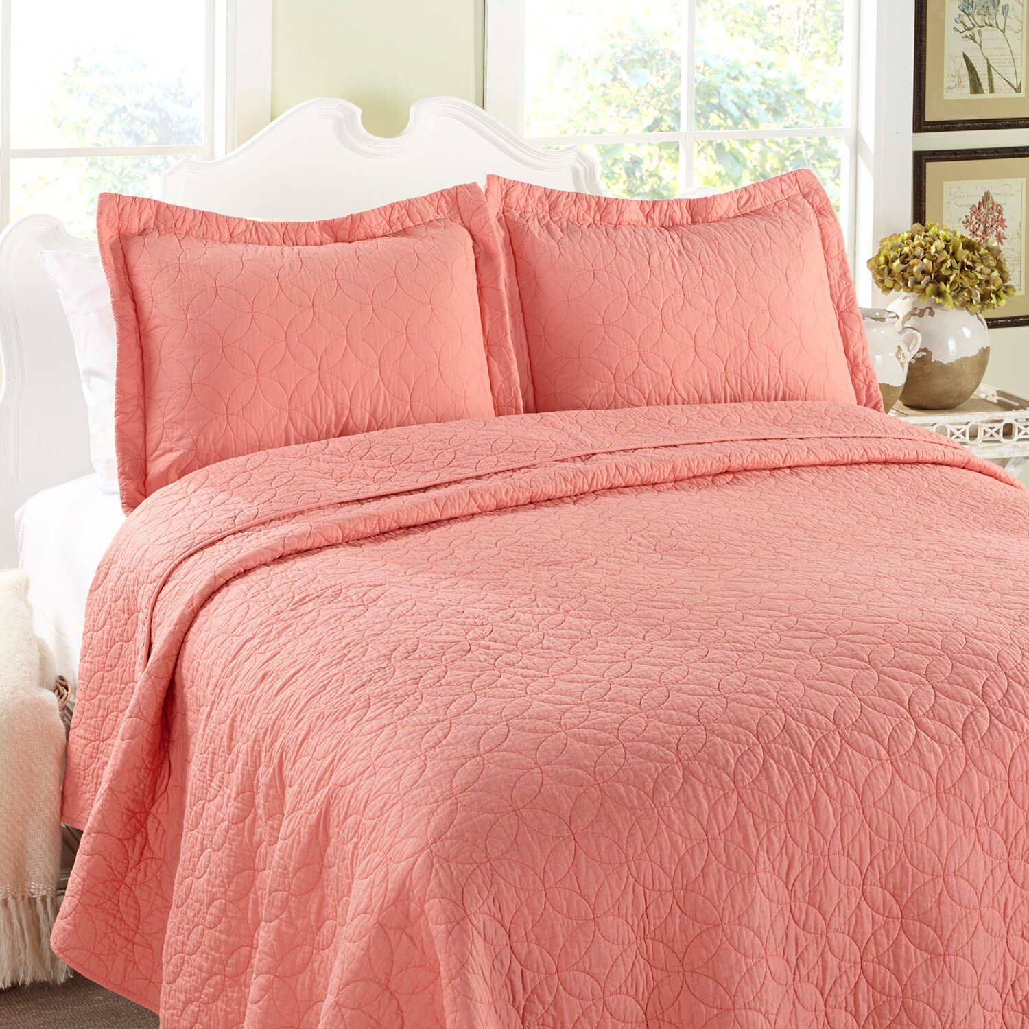 Bed sheet set with quilt - Solid Reversible Quilt Set