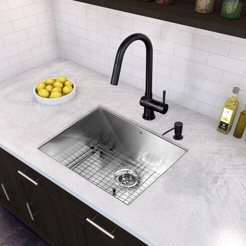 Gramercy Single Handle Pull Down Kitchen Faucet Matte