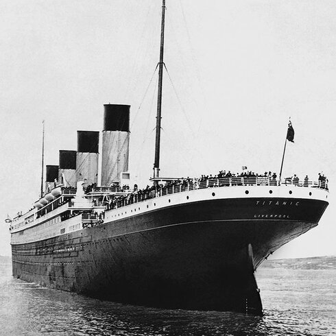 Titanic - Stern View Canvas Wall Art