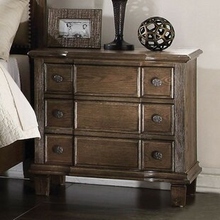 Hendrix 3 Drawer Nightstand by Alcott Hill