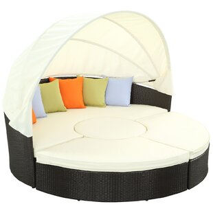 Quest Canopy Daybed With Cushions