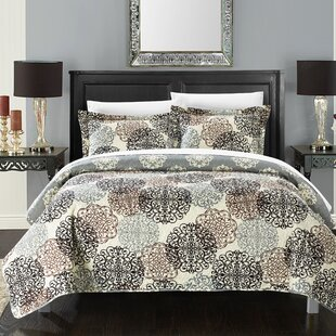 Casazza Reversible Quilt Set