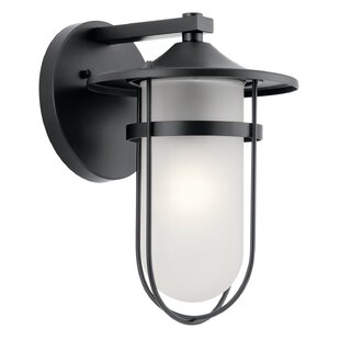 Bargain Largo 1-Light Outdoor Sconce By Breakwater Bay