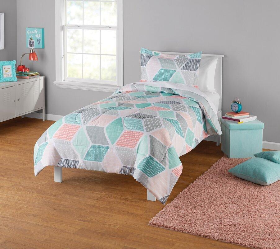 Trule Cates Reversible Comforter Set