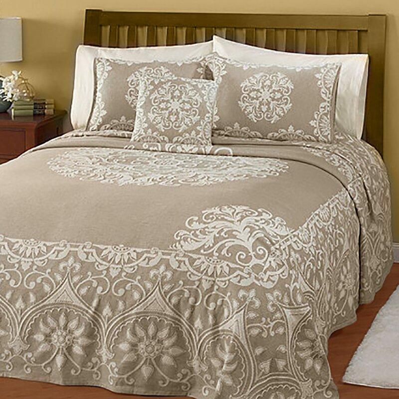Pdk Worldwide Natural Opulence Jacquard Bedspread
