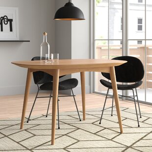 Elisa Dining Table By Hykkon