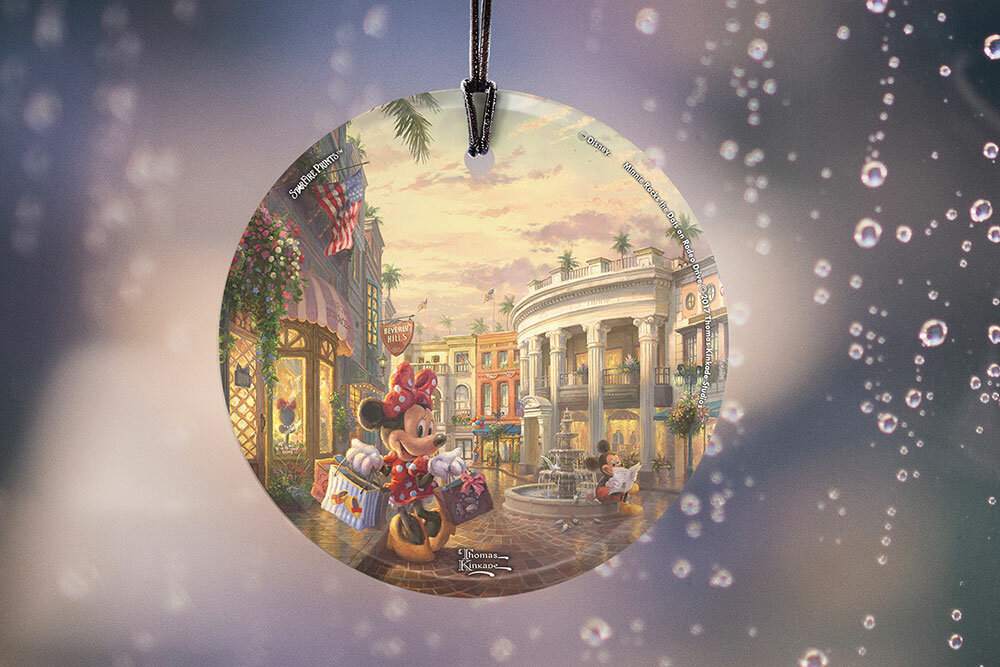 Trend Setters Disney S Minnie Mouse Rocks The Dots On Rodeo Drive Hanging Glass Shaped Decoration Wayfair