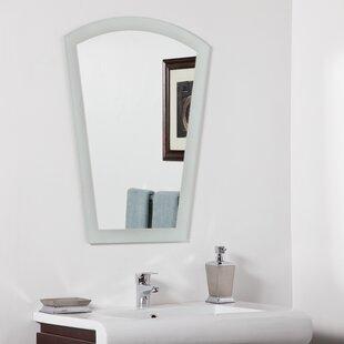 Decor Wonderland Gabrielle Modern Wall Mirror