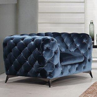 Vennie Chesterfield Chair by Everly Quinn