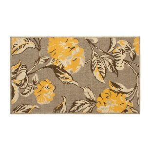 Jaya Hydrangea Yellow/Beige Indoor/Outdoor Area Rug