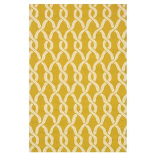 Viveiros Hand-Hooked Goldenrod/Ivory Indoor/Outdoor Area Rug