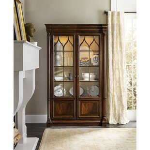 Leesburg Lighted Display Stand by Hooker Furniture