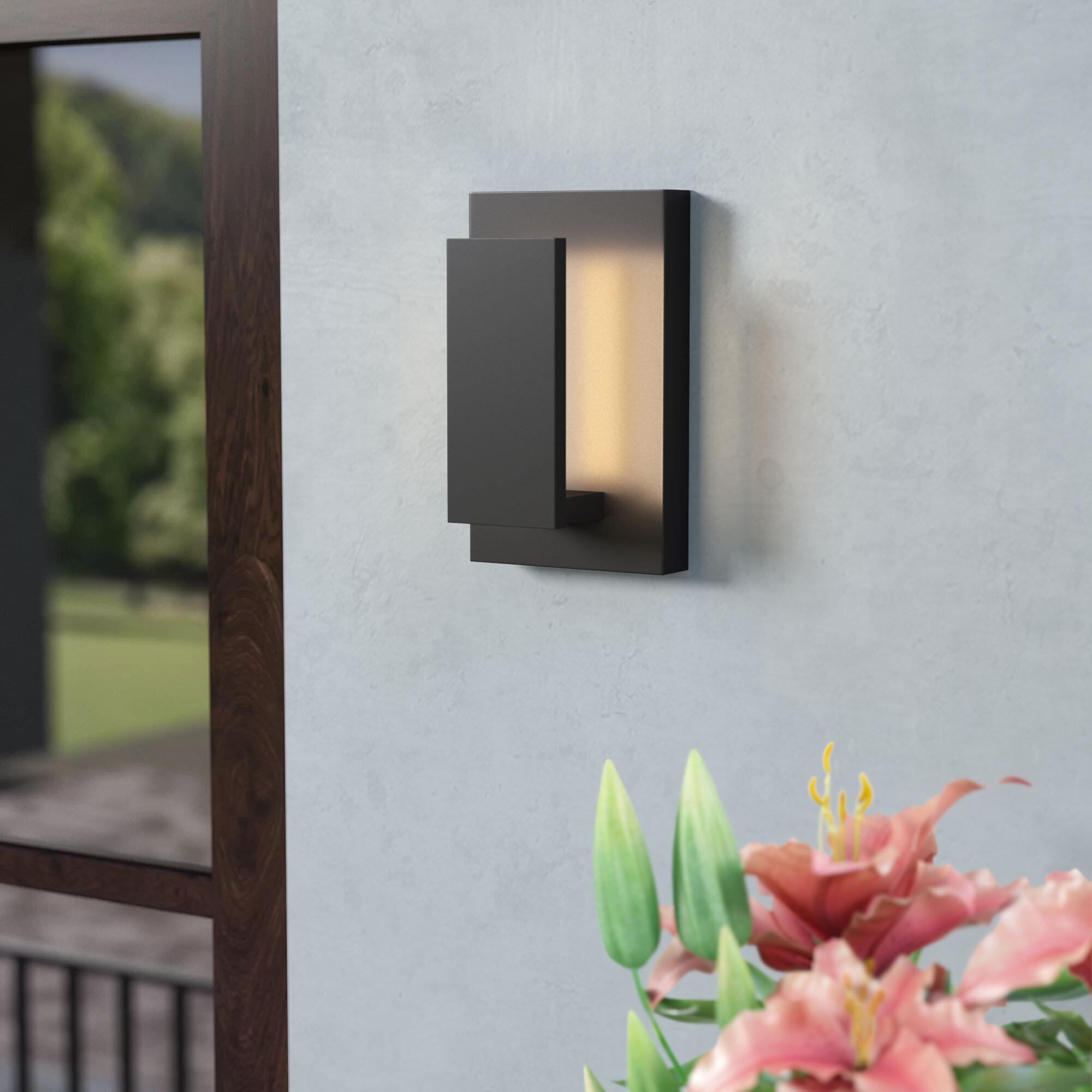 Swann 1 Light Outdoor Wall Sconce