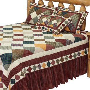 August Grove Oona Rustic Cabin Luxury Quilt