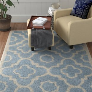 Alexa Hand-Tufted Wool Blue/Ivory Area Rug by Safavieh