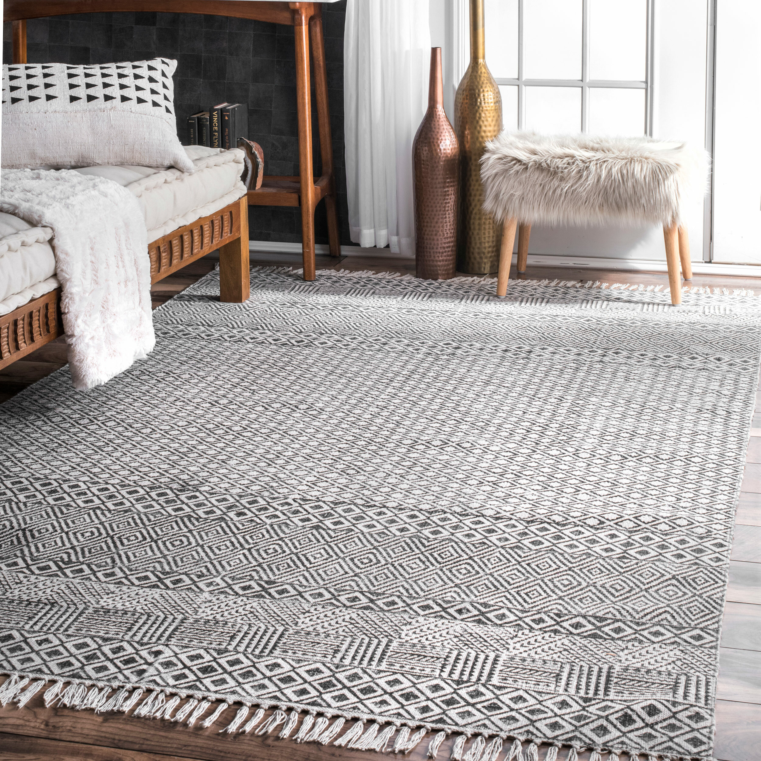 Lindy Hand Woven Gray Area Rug