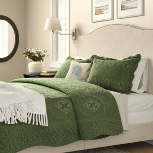 Southborough 3 Piece Reversible Quilt Set
