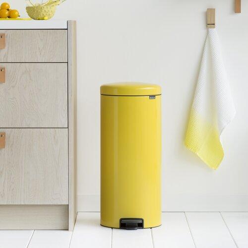 30 L Step-On Mülleimer New Icon aus Edelstahl | Küche und Esszimmer > Küchen-Zubehör | Gänseblümchen-gelb | Kunststoff | Brabantia