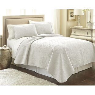 Vilano® Springs Quilt Set