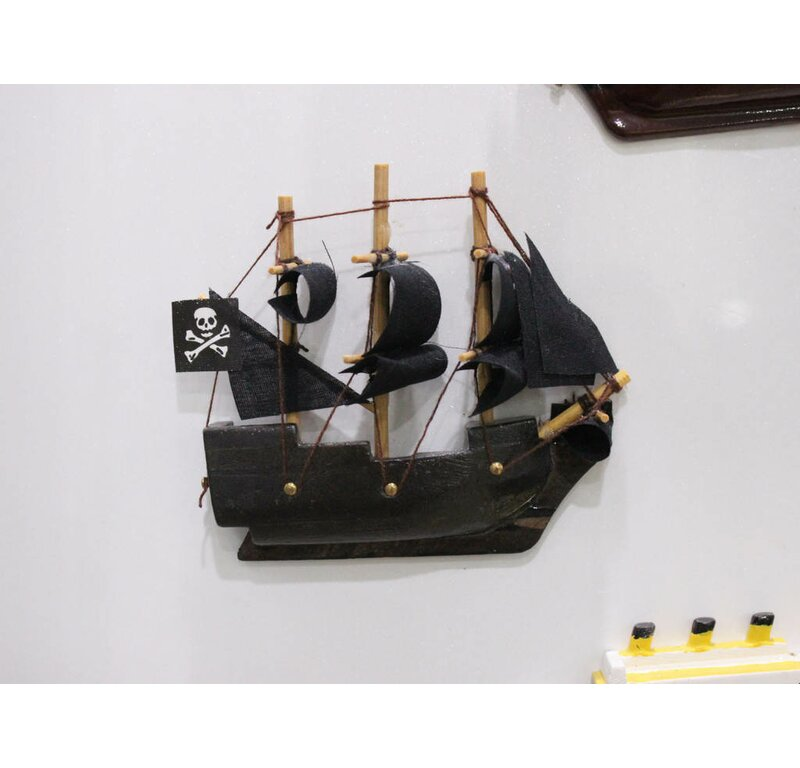 Handcrafted Nautical Decor Caribbean Pirate Magnet Model Ship Wall ...