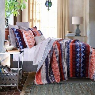 Lovettsville Reversible Quilt Set