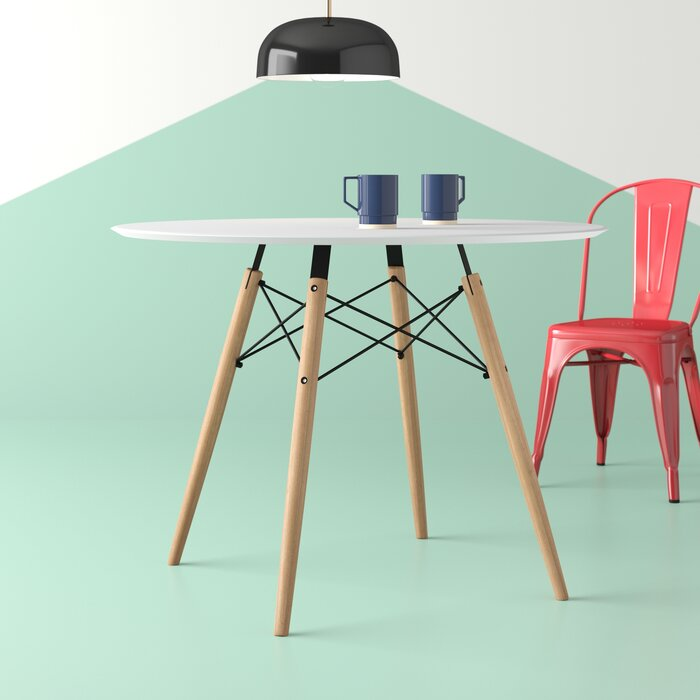Traynor 32 Dining Table
