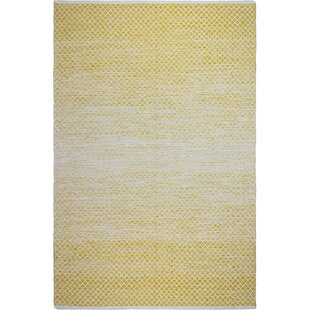 Estate Hand-Woven Gold Indoor Indoor/Outdoor Area Rug