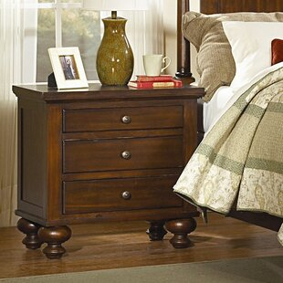 Darby Home Co Dunrobin 3 Drawer Bachelor's Chest