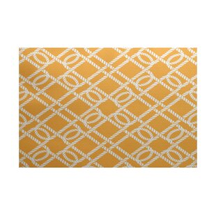 Bridgeport Traditional Yellow Indoor/Outdoor Area Rug