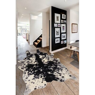 Union Rustic Chong Black/White Area Rug