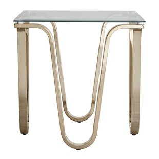 Linklater End Table by House of Hampton