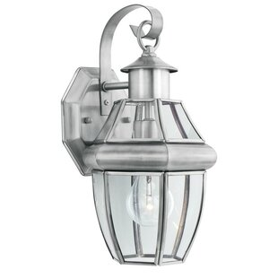Compare Heritage 1-Light Outdoor  Wall Lantern By Thomas Lighting