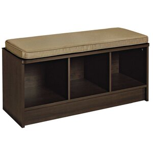 Sitzbank Wayside aus Holz mit Stauraum von Close..