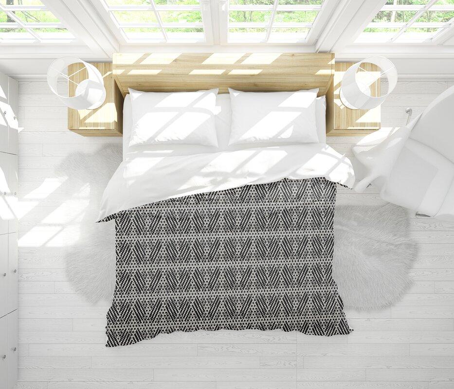 Dakota Fields Seamus Lightweight Comforter Set